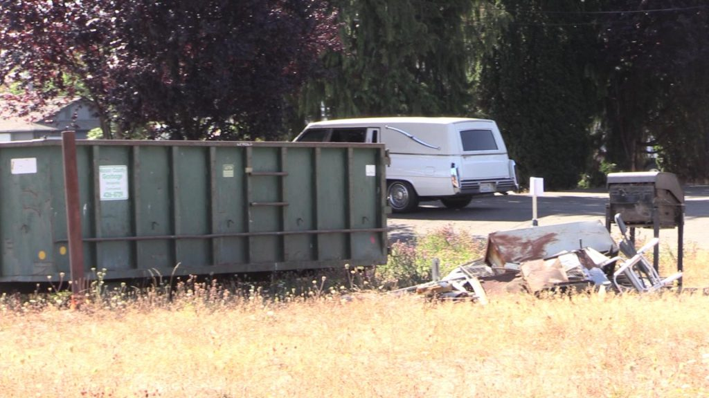 081916 dumpster & stuff